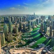 DUBAI, UAE - OKTOBER 10: Modern buildings in Dubai Marina, Dubai, UAE. In the city of artificial channel length of 3 kilometers along the Persian Gulf, taken on 10 Oktober 2014 in Dubai.