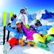 Ski, snow, sun and winter fun – happy family ski team